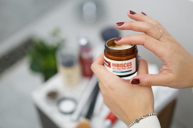 7 Cara Hemat Belanja Skincare Biar Tabungan Nggak Kalang Kabut