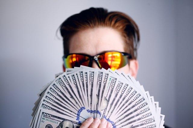 Pinjaman Dana ke Keluarga: Yes or No?