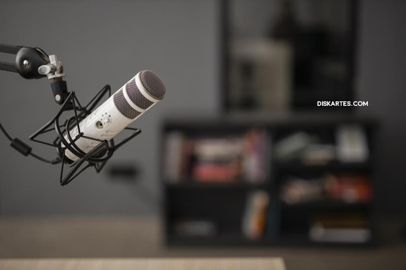 Dengarkan Podcast tentang Saham Berikut untuk Cuan di 2021