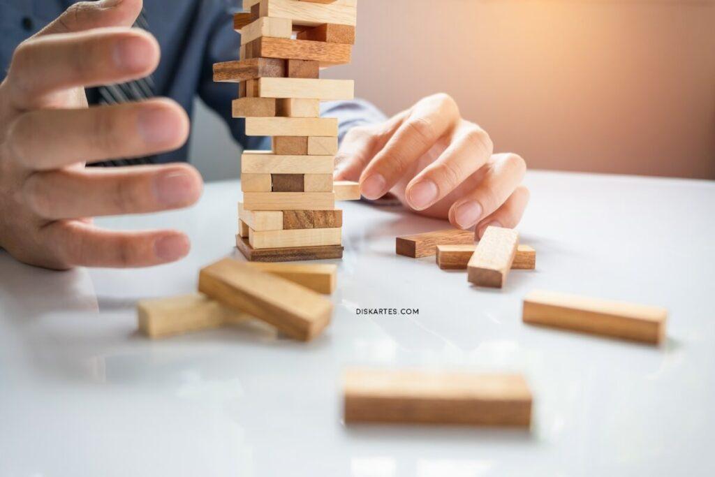 Investasi di Pasar Modal dan 5 Risiko Yang Perlu Diperhatikan Investor
